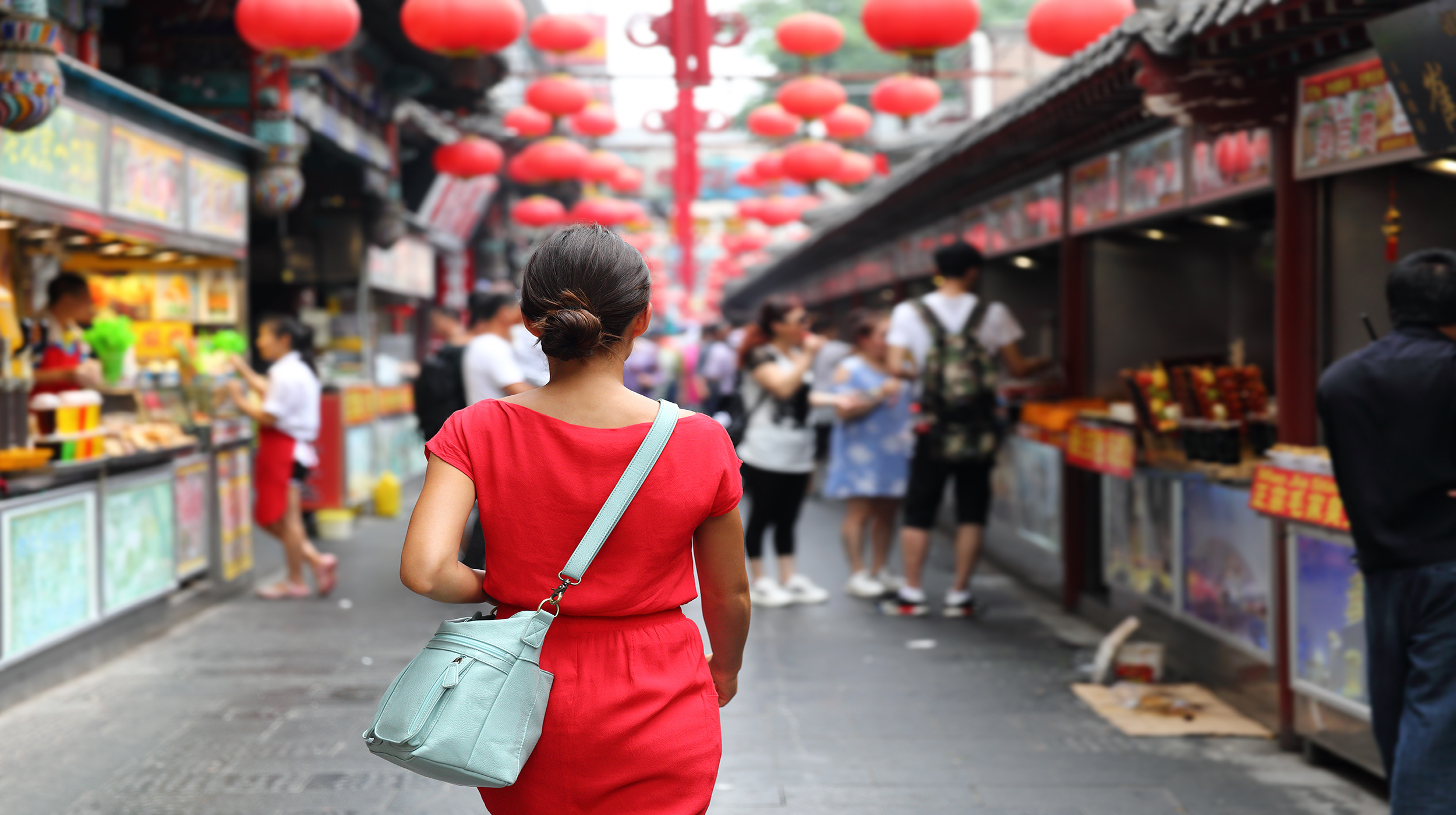 girl in food market