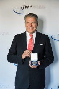 Hikmet Ersek receiving award